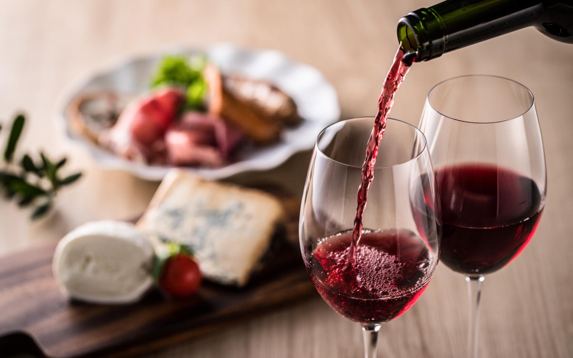 ワインをおいしく飲みたいなら、まずは『温度』を知ろう | ワインや日本酒をもっと美味しく楽しむ方法 | ワインセラー・日本酒セラーのさくら製作所